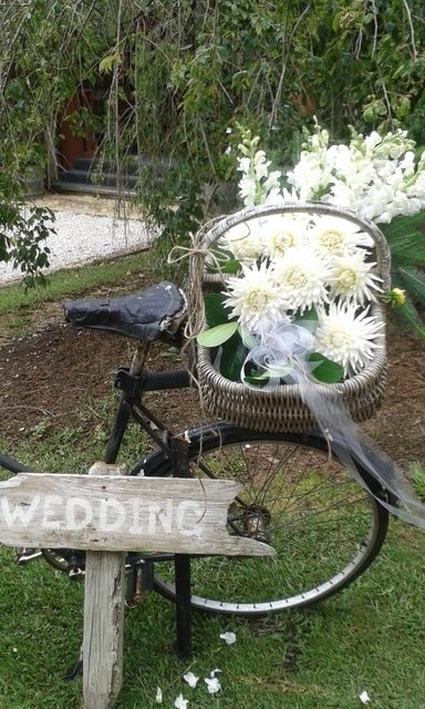 Creating beautiful flowers for your wedding day