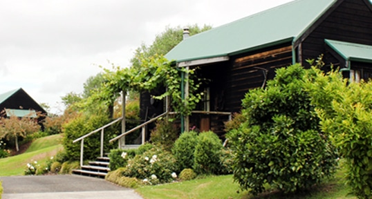 Wedding accommodation in West Auckland near Markovina Estate