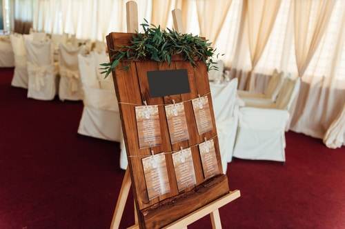 Top tips for creating a wedding seating plan
