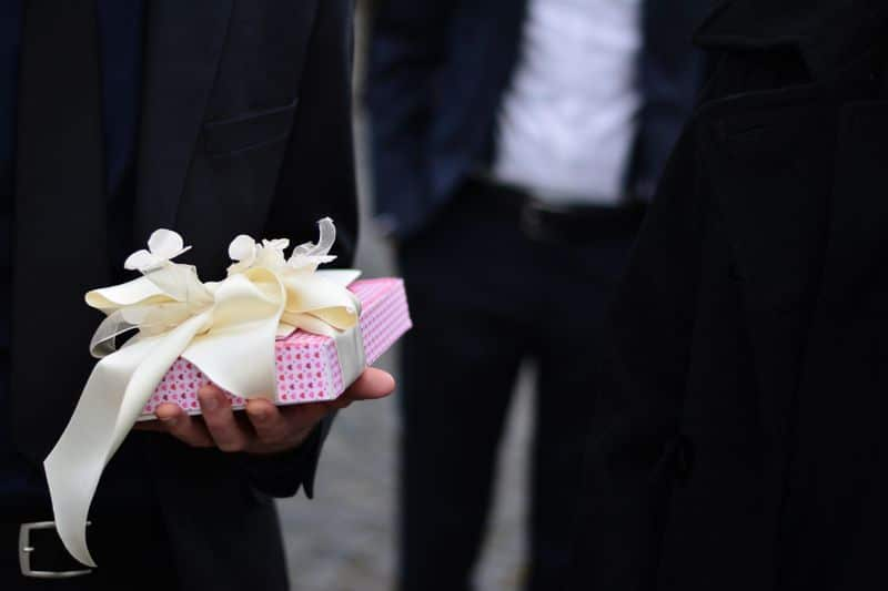 Wedding presents what to choose and how to ask