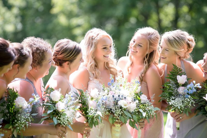 5 easy tips for cooling off at a hot summer wedding