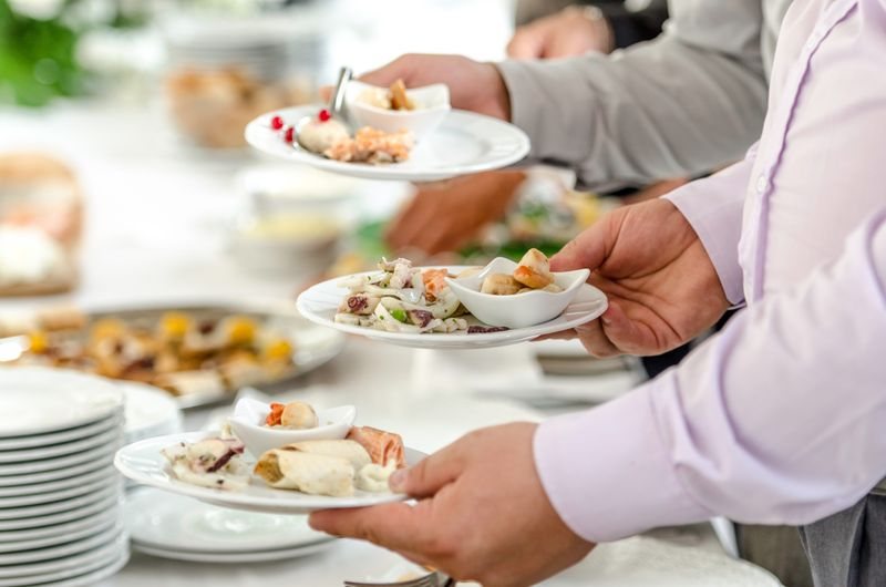 5 ways an excellent wedding food menu will enhance your special day